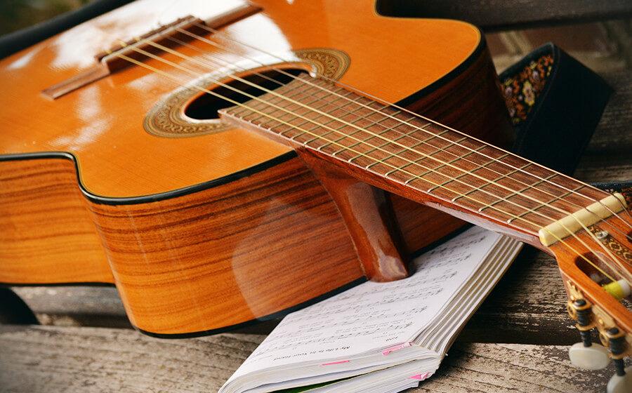 gitara-minijatura